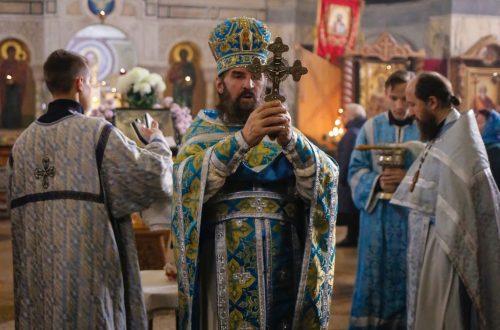 Празднование Казанской иконы Божией Матери в Свято-Никольском храме-памятнике